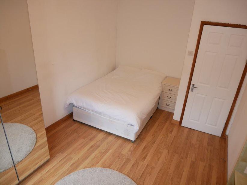 Grosvenor #1 – Room 5